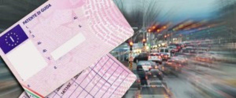 Ritiro patente per guida con cellulare: si parte in estate?